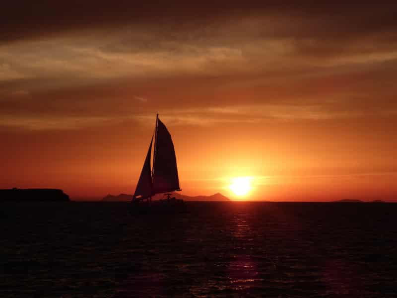 Barco Santorini