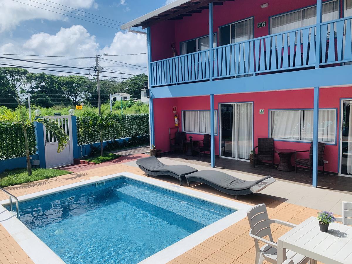 hotel com piscina em San Andrés