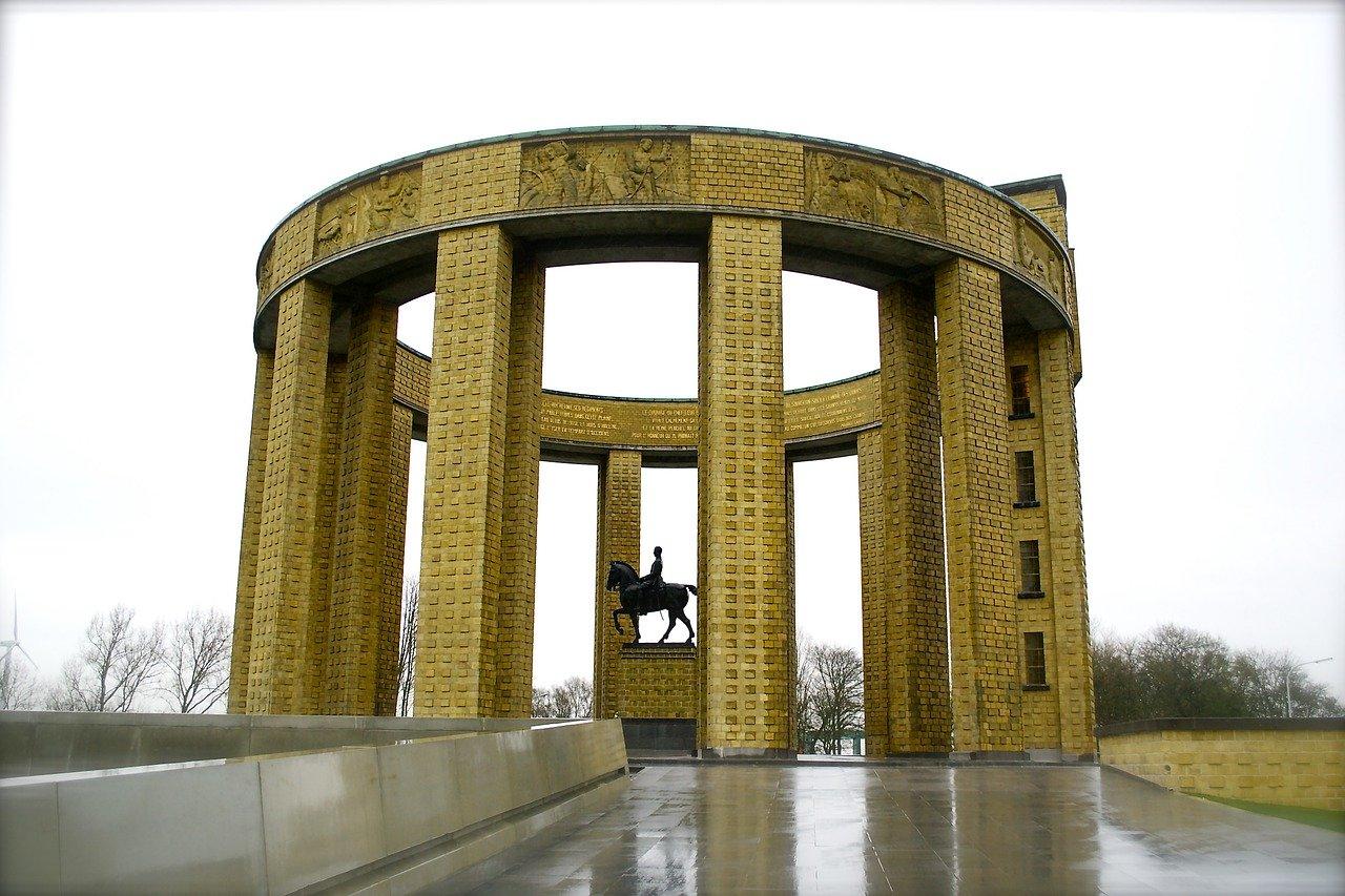 Tour pelos memoriais de guerra da Bélgica