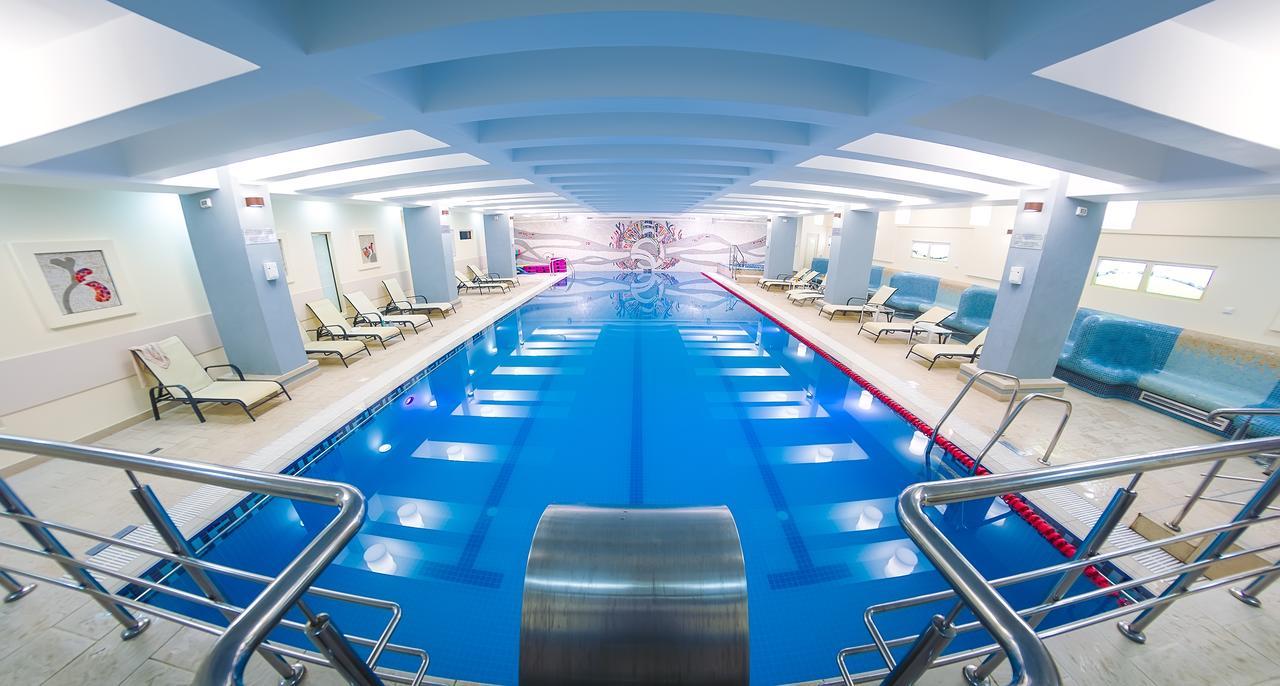 hotéis com piscina na romênia