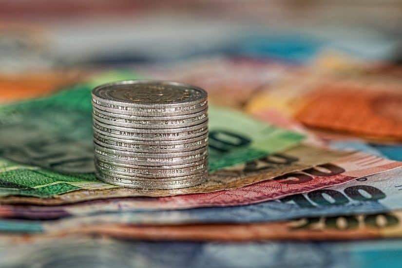 moeda da letonia ou cartão