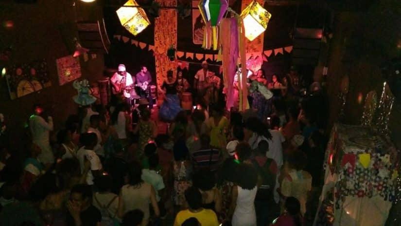 Bares em Olinda com música ao vivo
