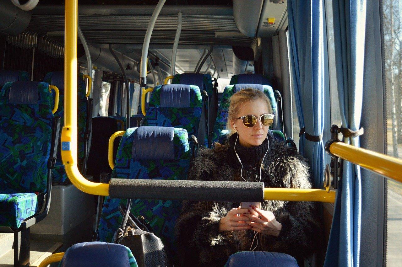 Como chegar em Granada e se locomover de ônibus