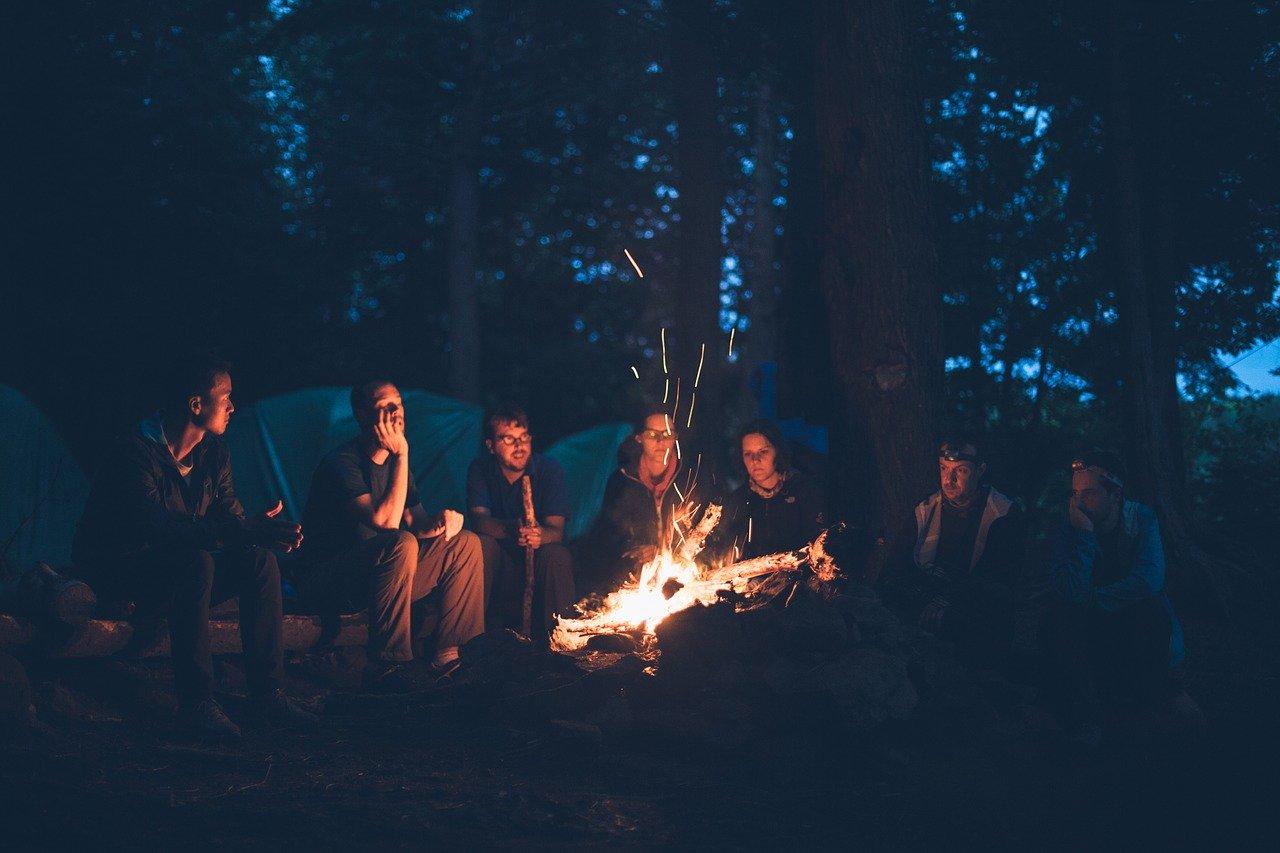 com quantas pessoas acampar?