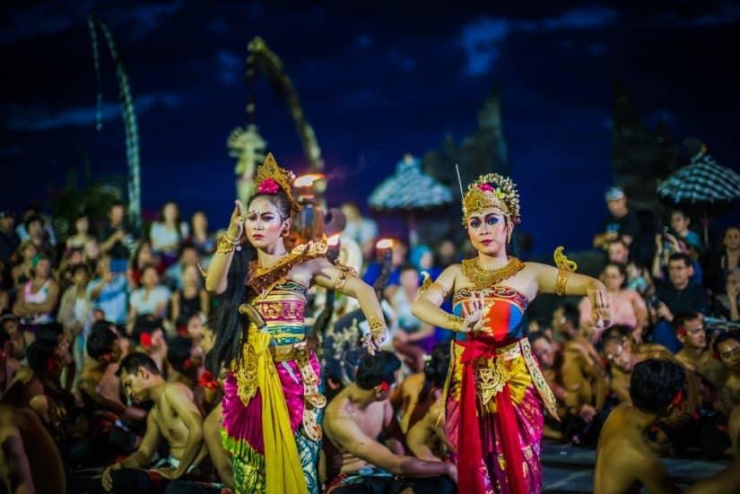 dança típica balinesa