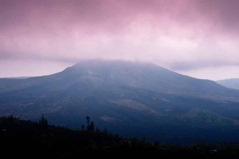 vulcões em Bali na Indonésia