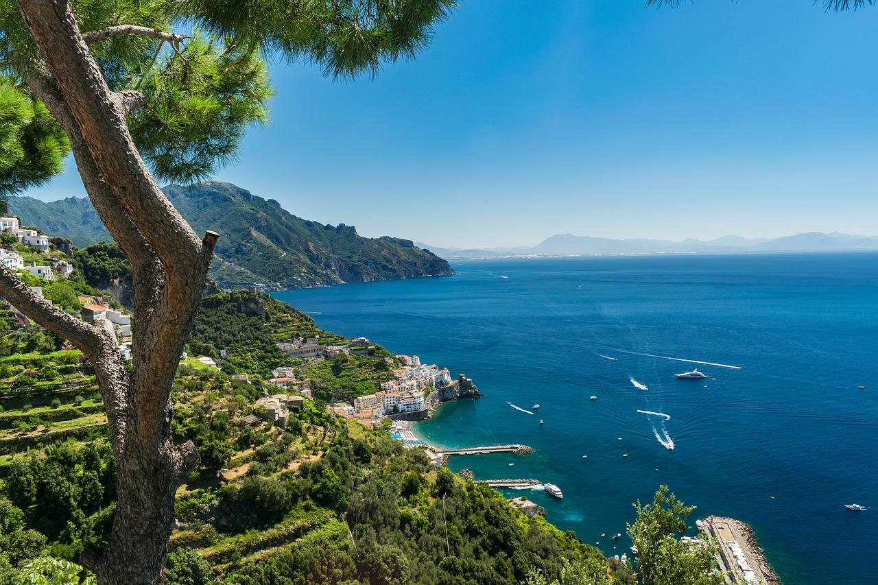 cidades perto de Nápoles amalfi