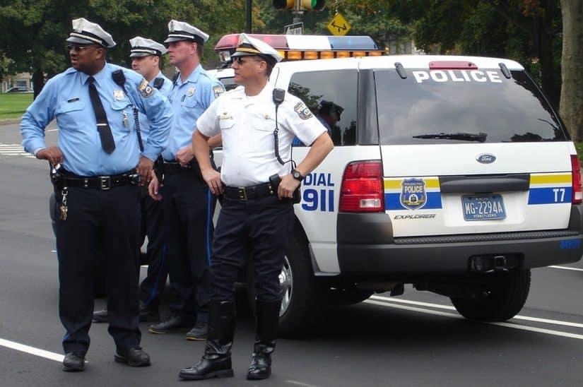 policiais falsos em viagens