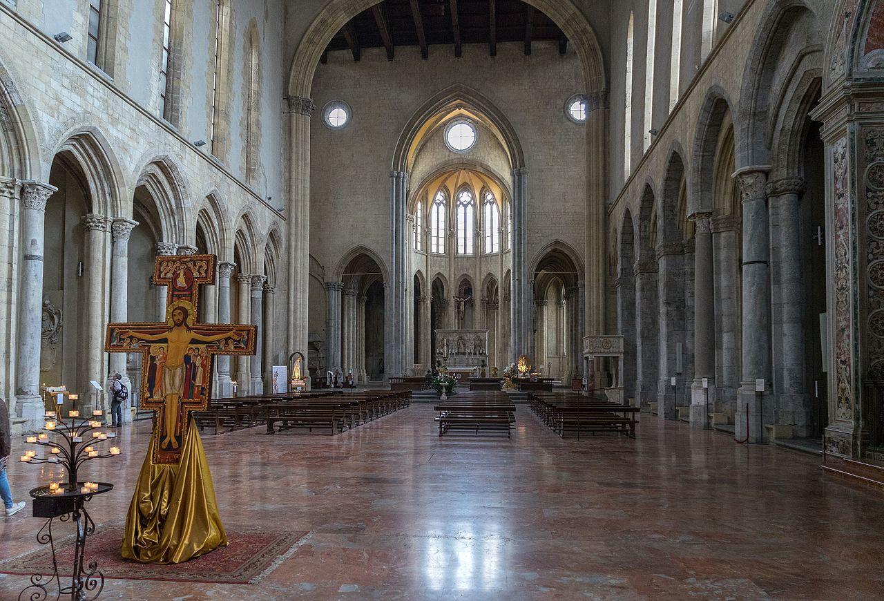 pontos turísticos de napoles igrejas