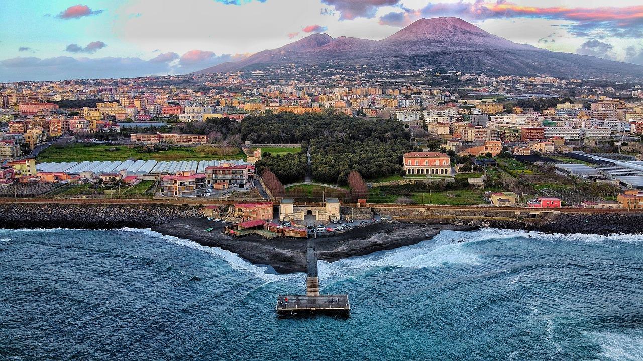 cidades perto de Nápoles
