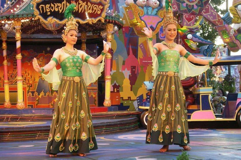 roupa típica da indonésia