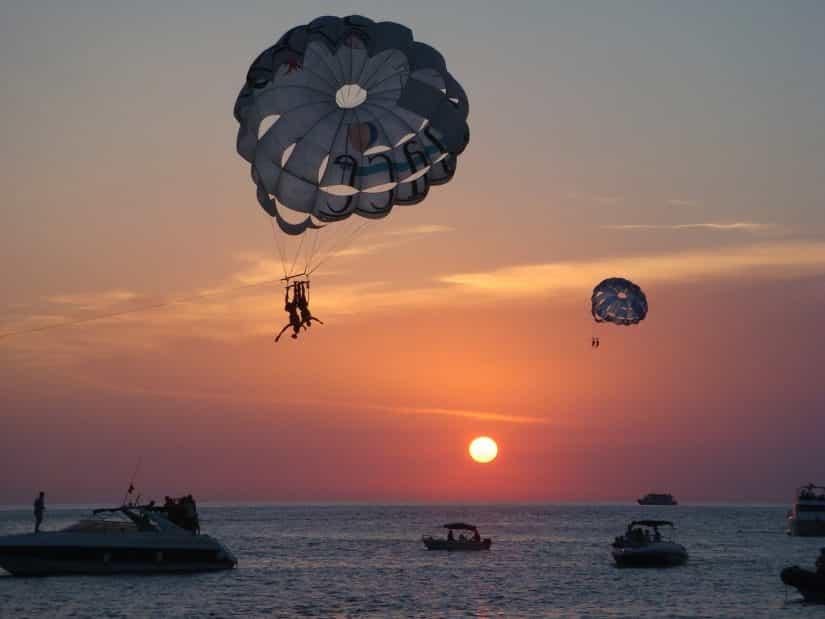 Passeios em Ibiza pelo ar
