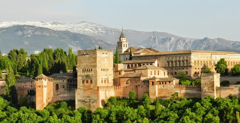 alhambra palácio em granada espanha