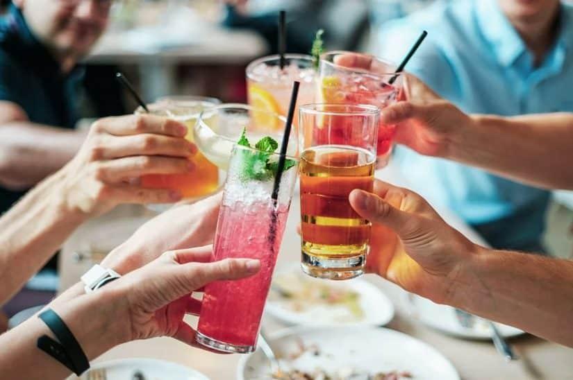 Como lidar com alcool na viagem