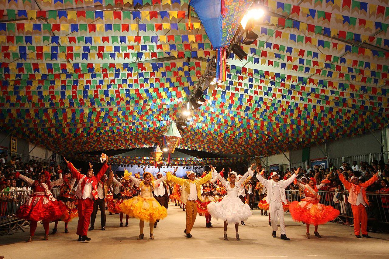 Festas Juninas do Nordeste animadas