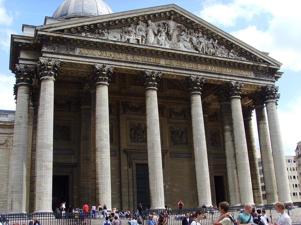 filosofo enterrado no panteão de paris