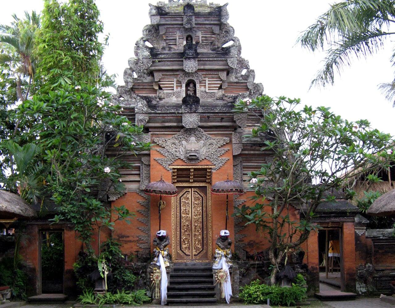 pontos turisticos de ubud palacio