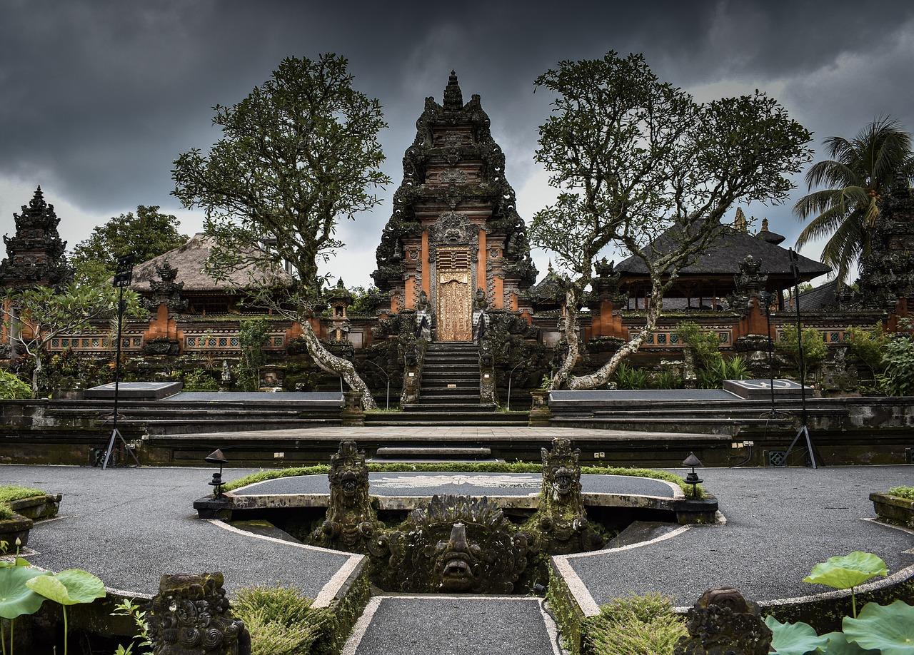 pontos turisticos de ubud templos