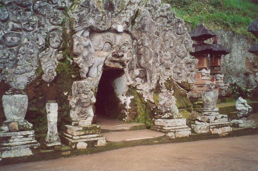 caverna do elefante bali