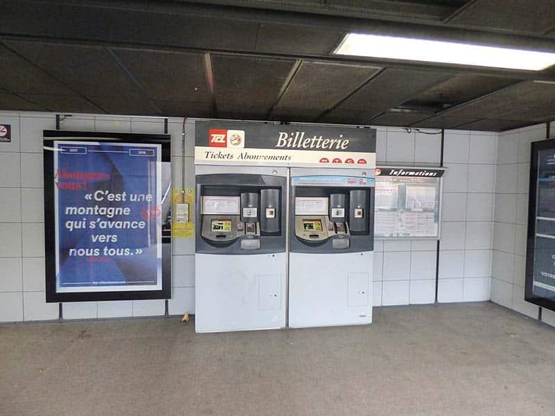 Andar de metrô em Montreal