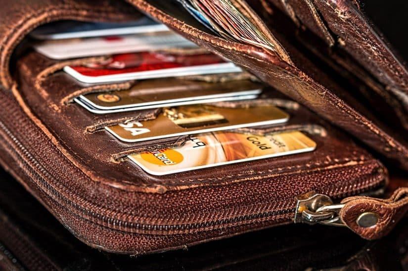 dinheiro em viagem internacional cartão de crédito na europa