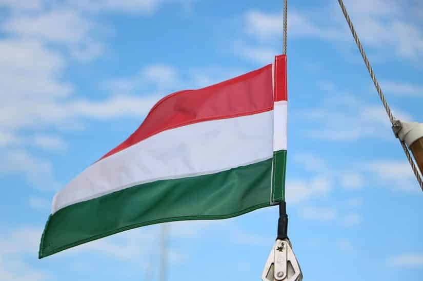bandeira da hungria significado