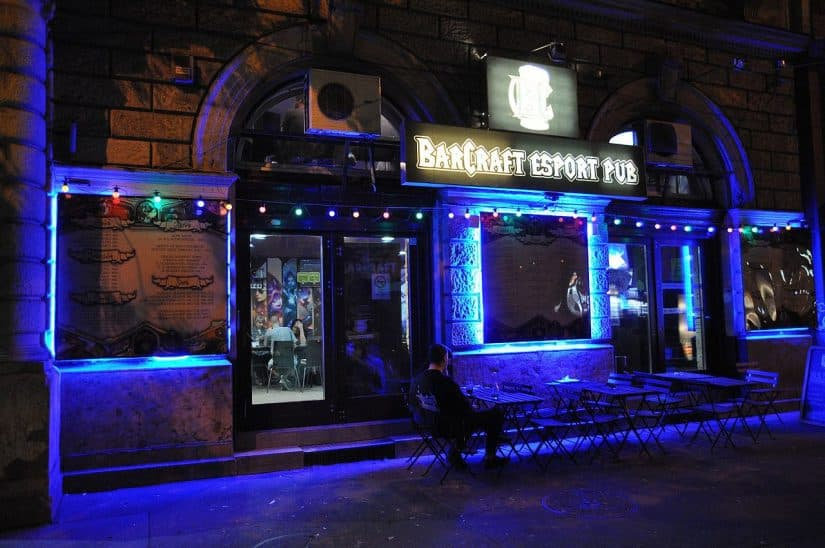ruin pubs budapeste