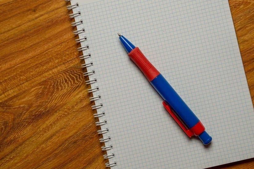 país que inventou a caneta