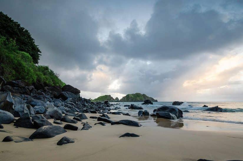 praia do cachorro fernando de noronha