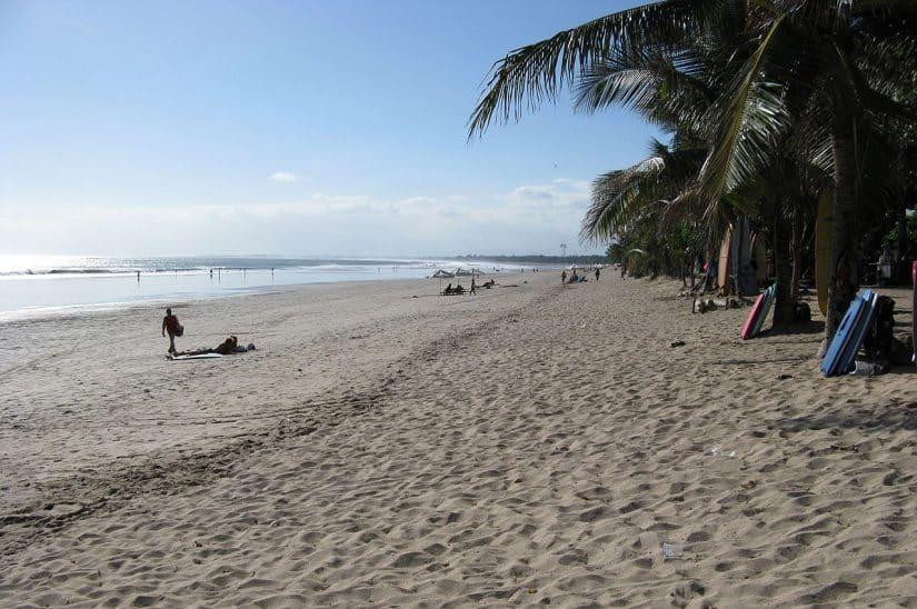 praias desertas em bali