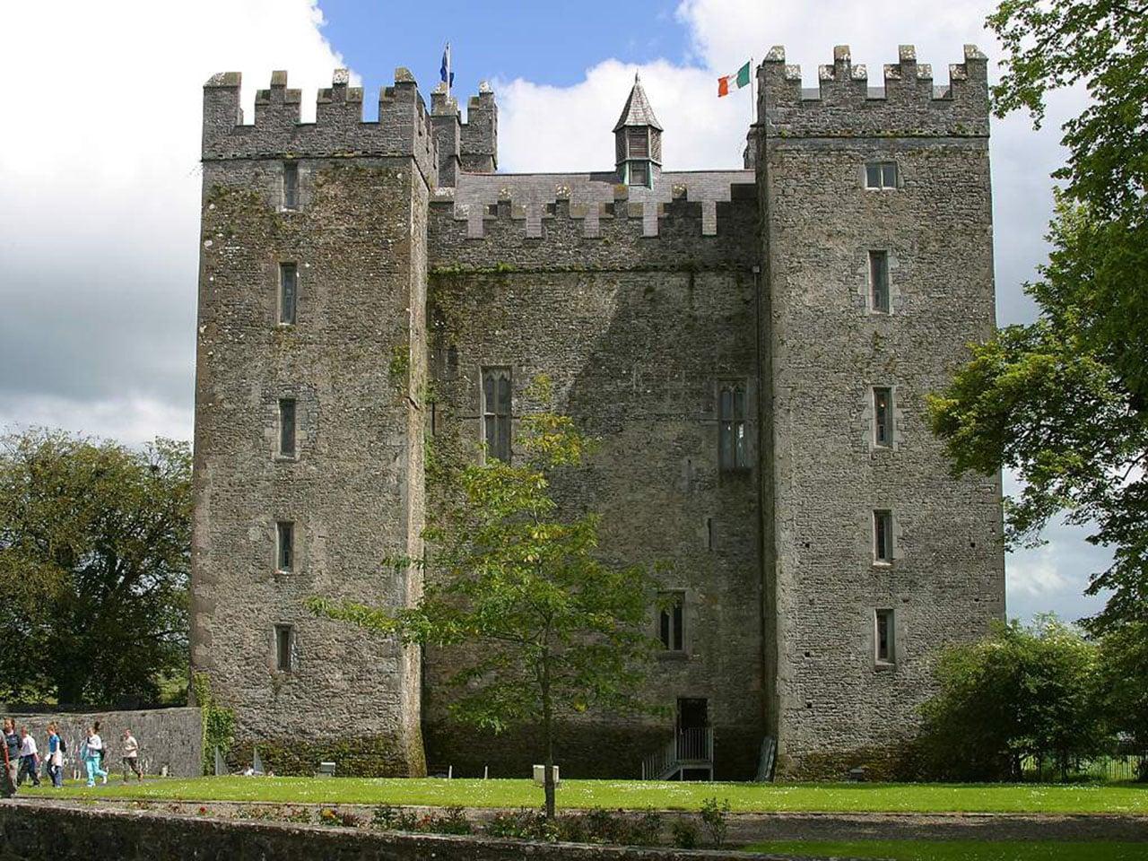 castelo em ruínas na irlanda
