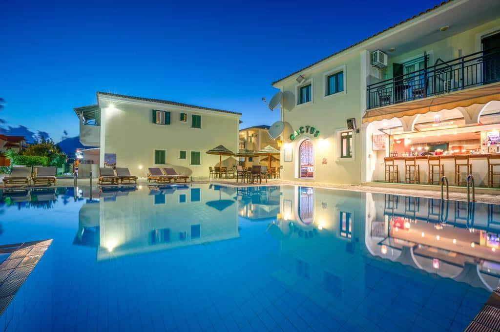 hotés com piscina em Zakynthos