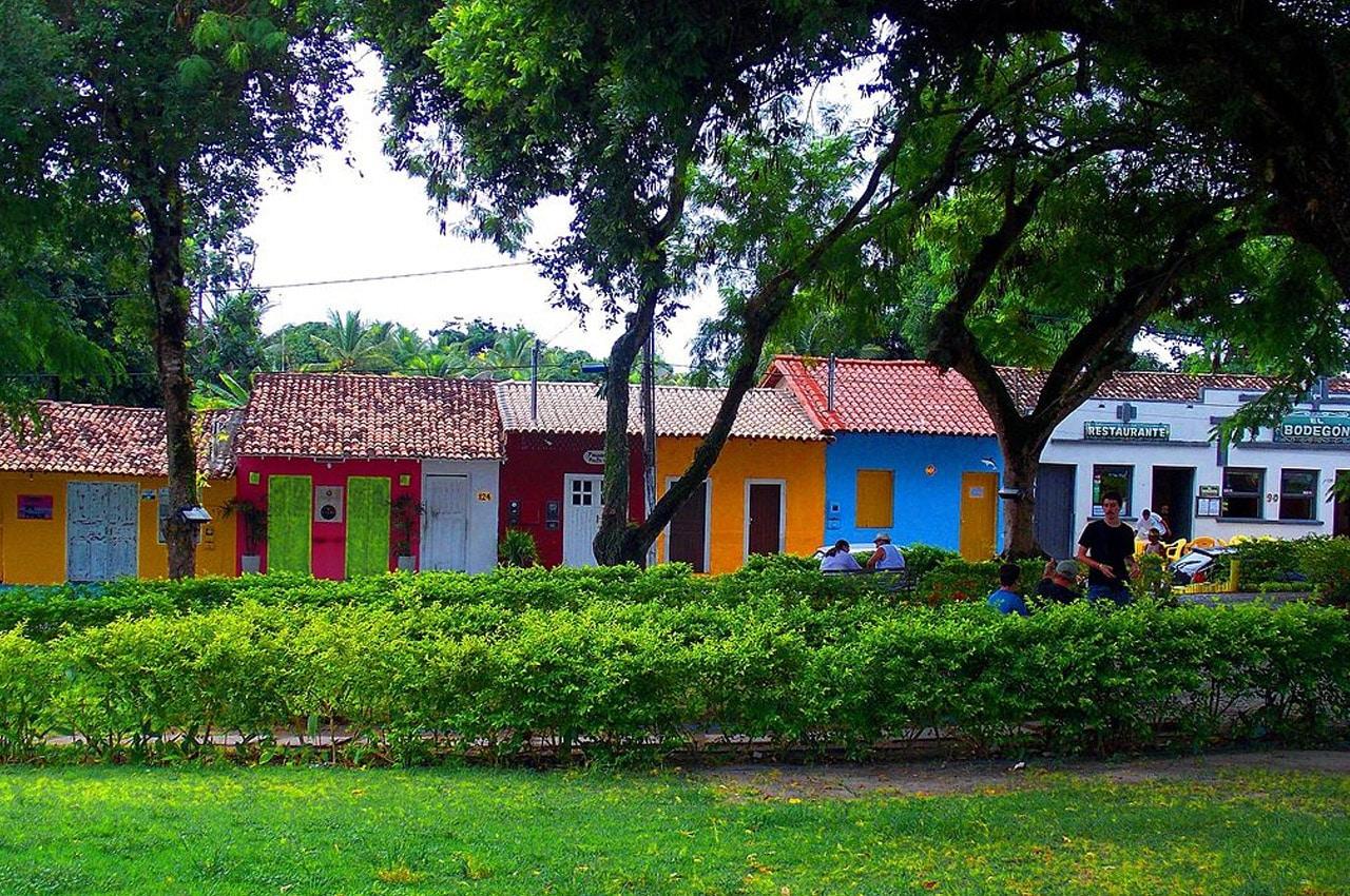 casas coloridas em Porto Seguro