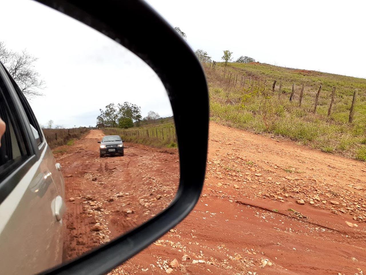lugares para viajar no Brasil carro na chapada diamantina