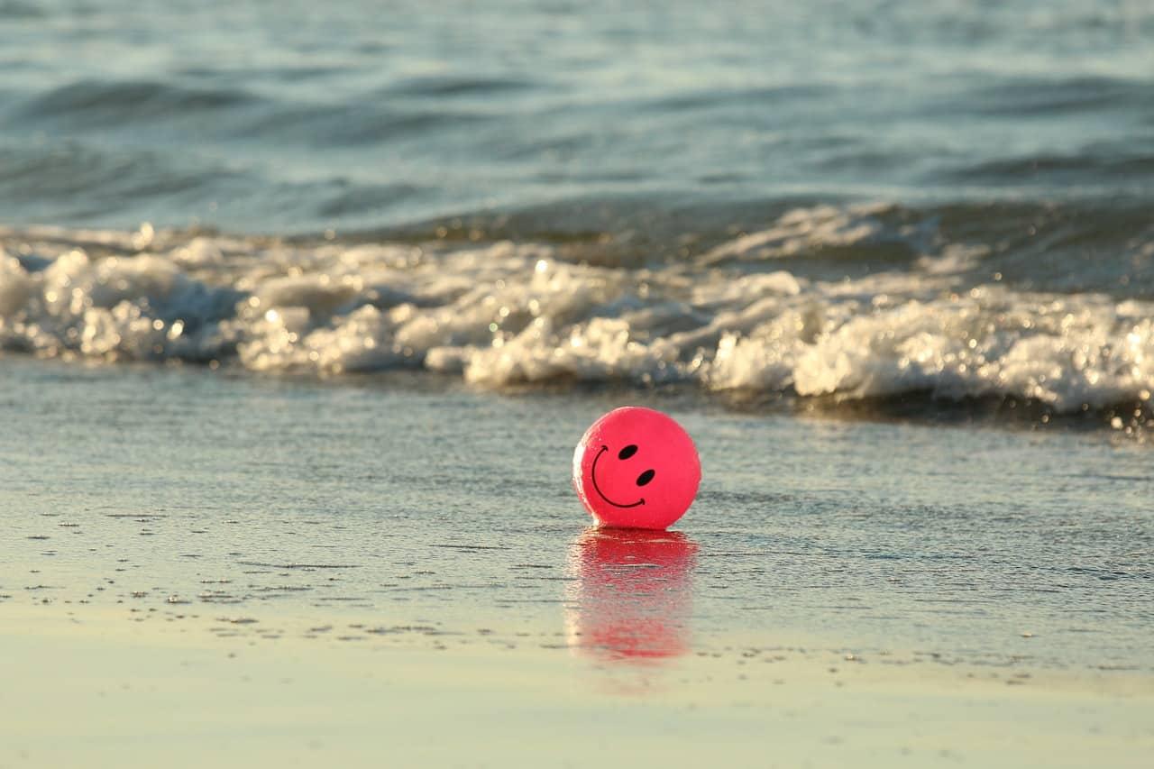 Fotos divertidas na praia com amigos