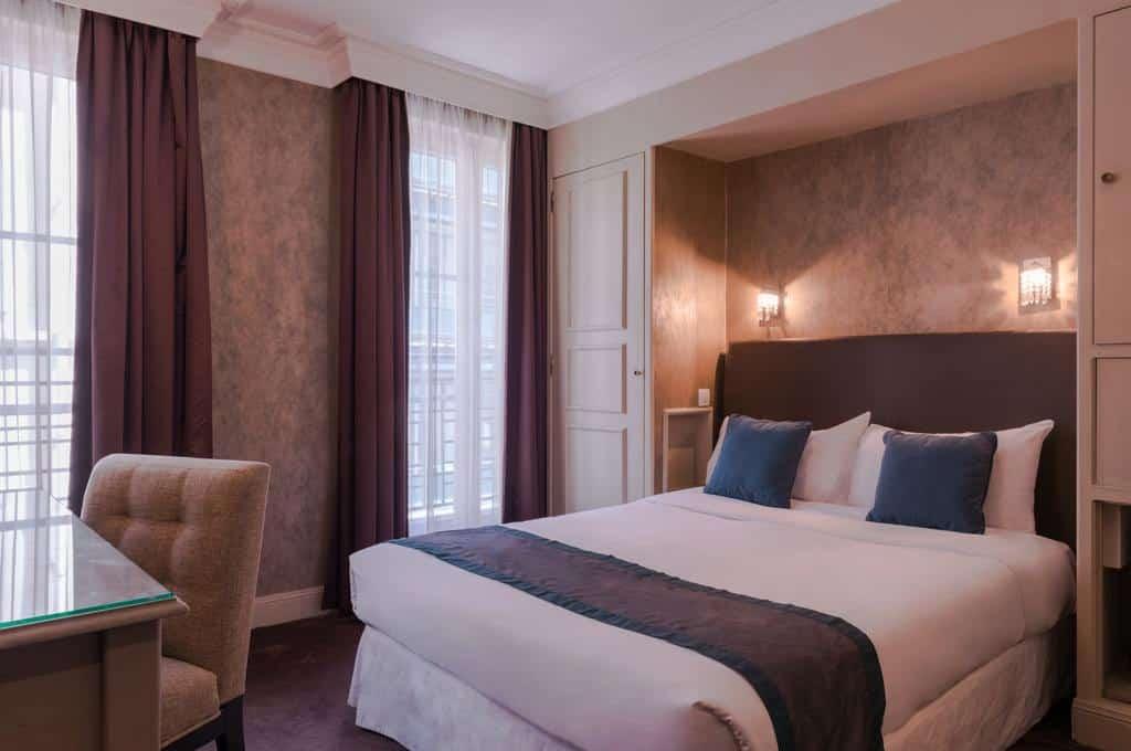 Paris Booking
