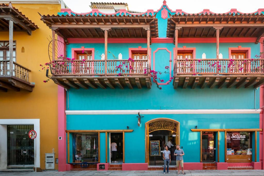 hotéis perto de Praça Santo Domingo