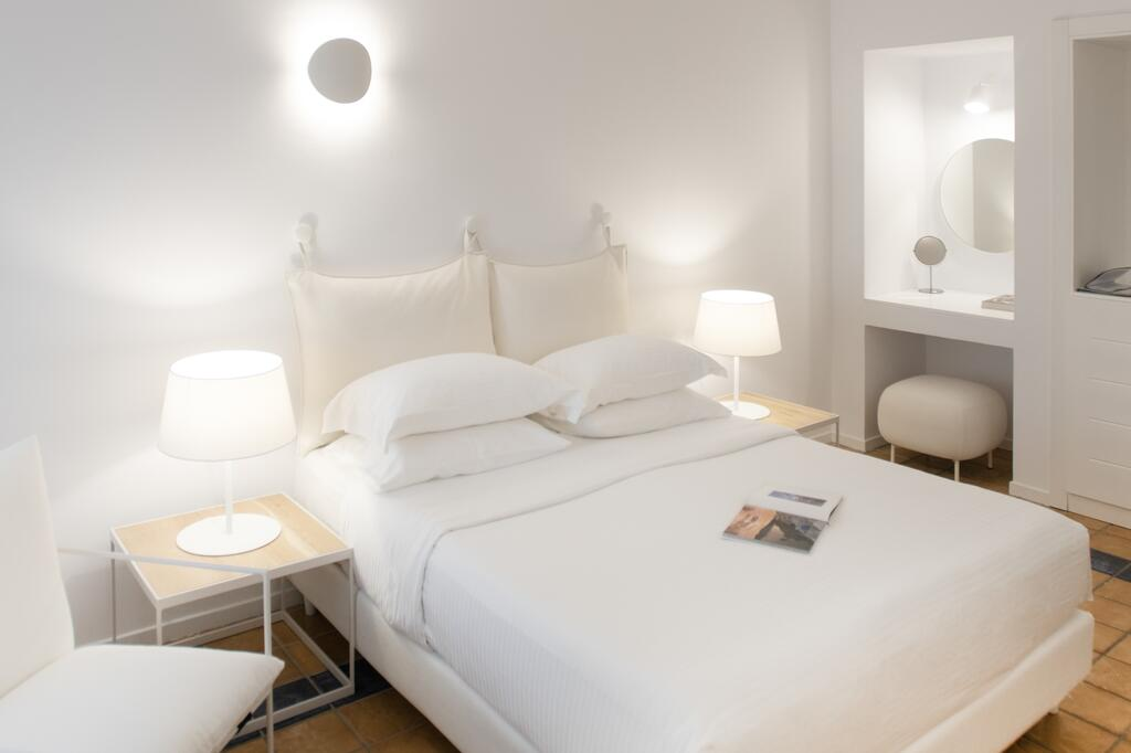 hotéis mais baratos em Santorini