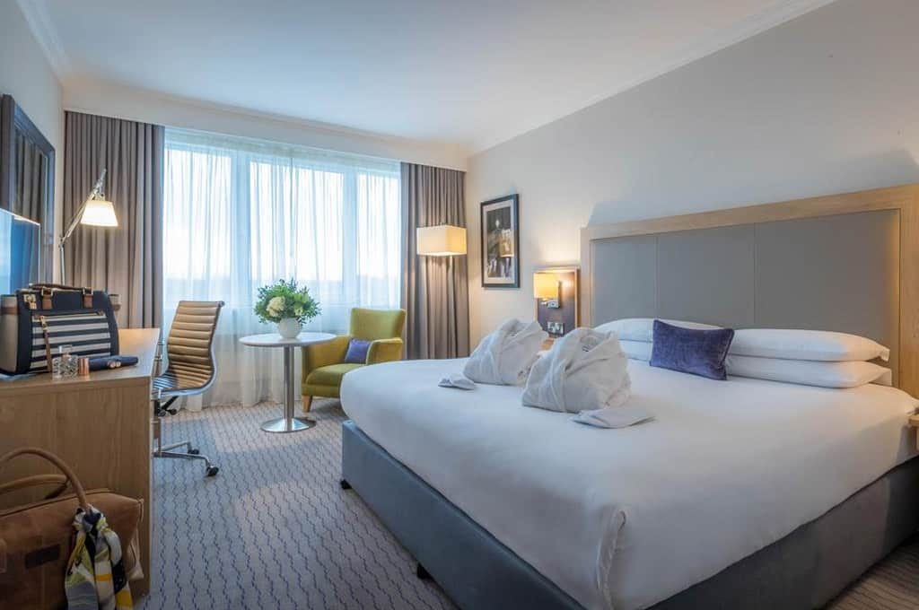 hotel em dublin booking