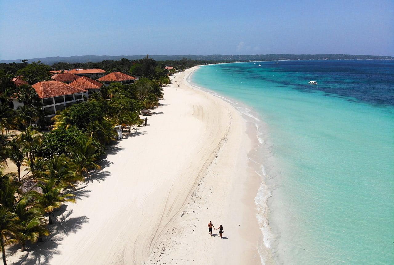 Negril é destino famoso na Jamaica