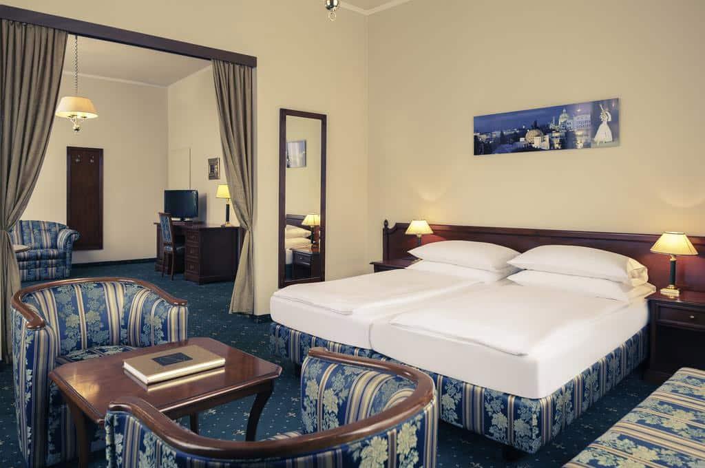 hotel viena booking