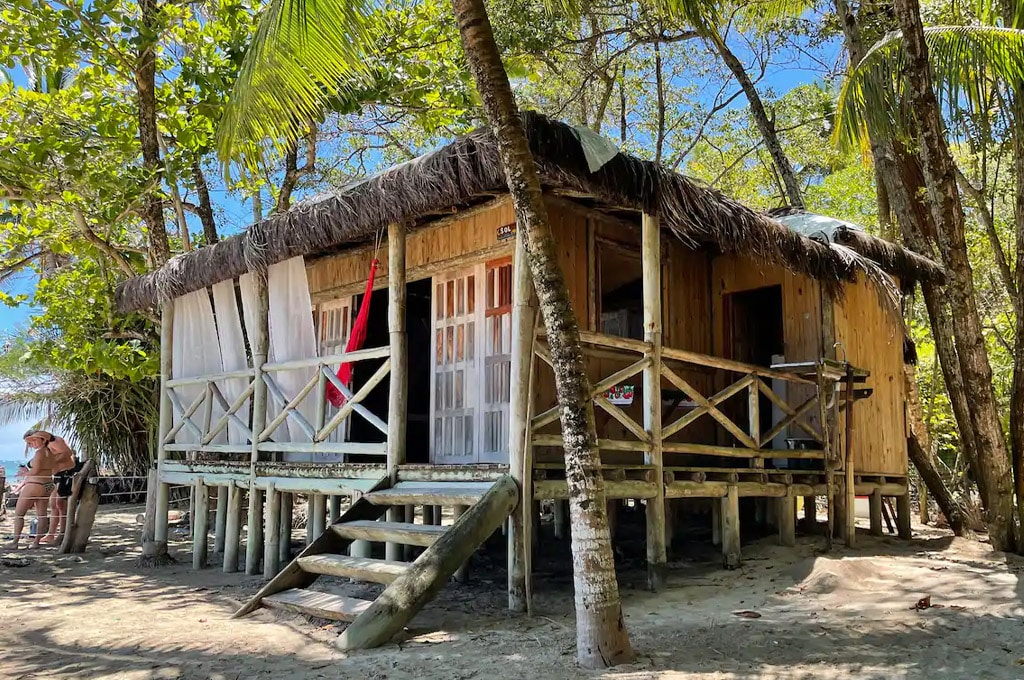 casas diferentes airbnb brasil