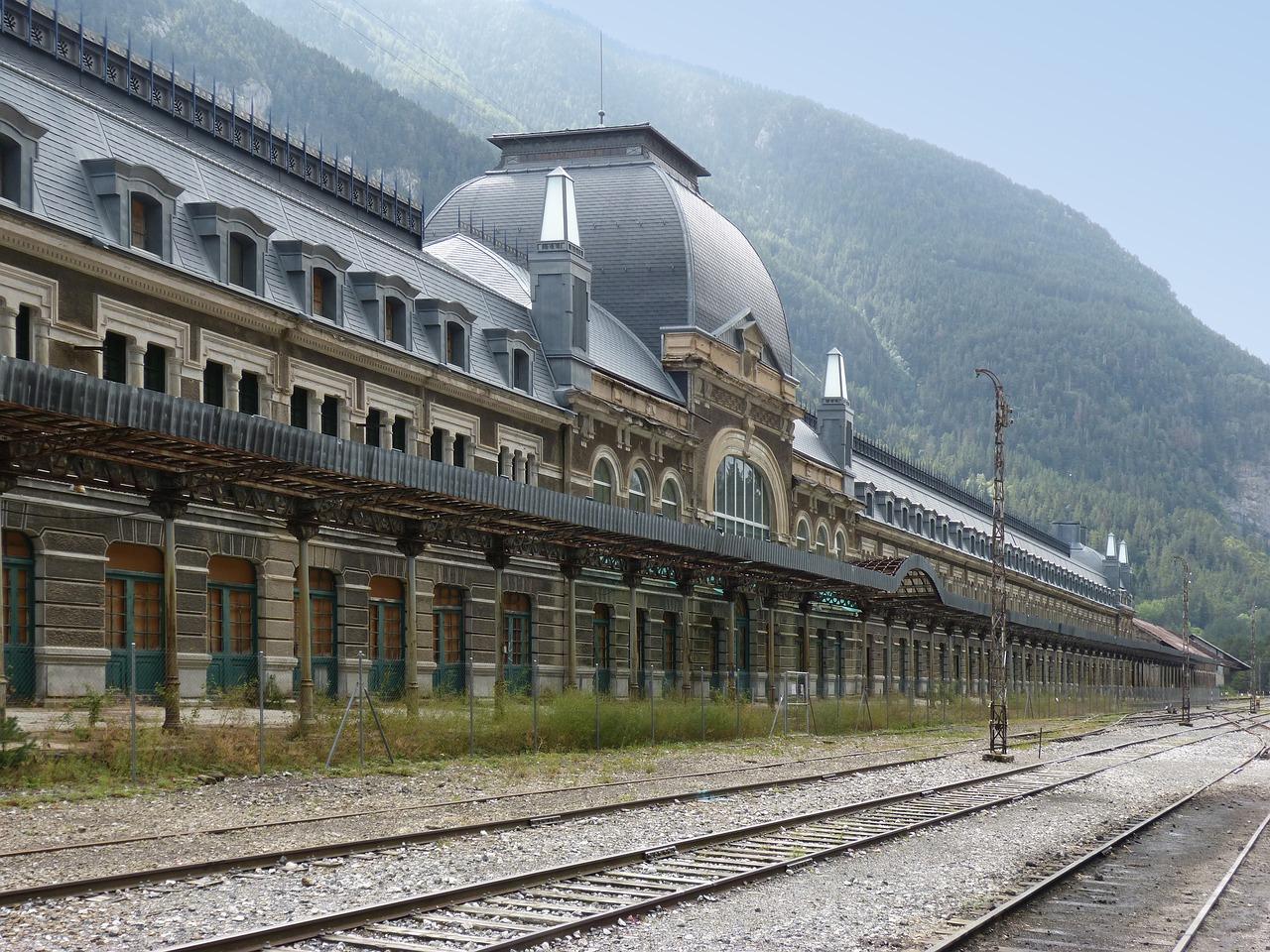 lugares abandonados em estações