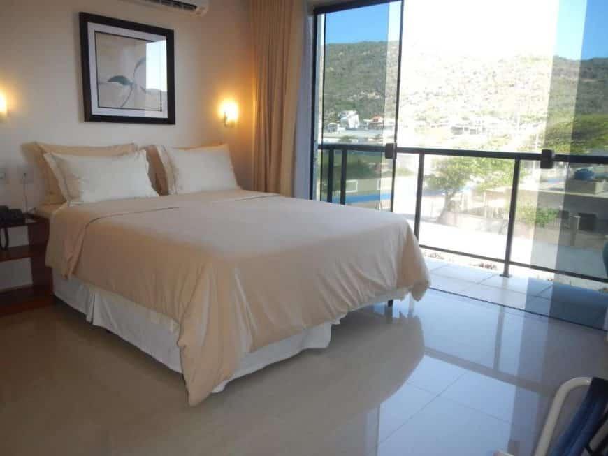 Quais são algumas das melhores opções de pousadas para estadias em Arraial do Cabo