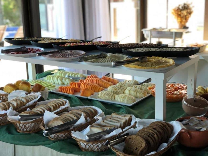Pousada com ótimo café da manhã em Bombinhas